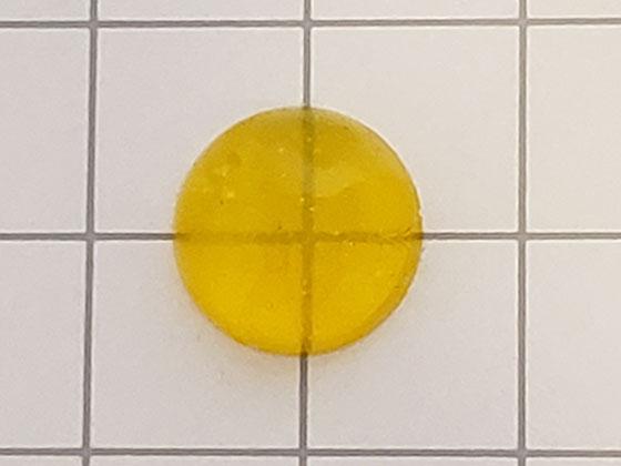 液体着色剤で固めたレジン