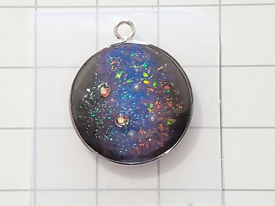 宇宙塗りのレジンピアス作り方