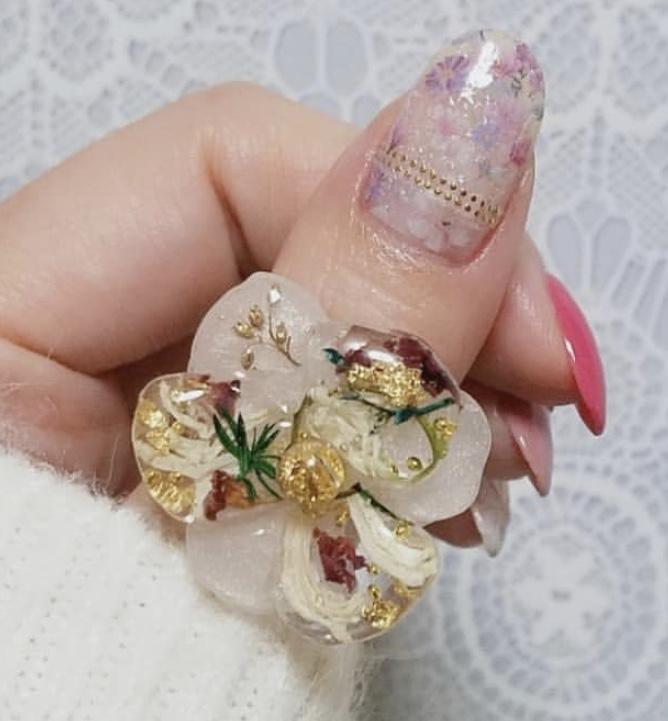 レジンで作った指輪の画像