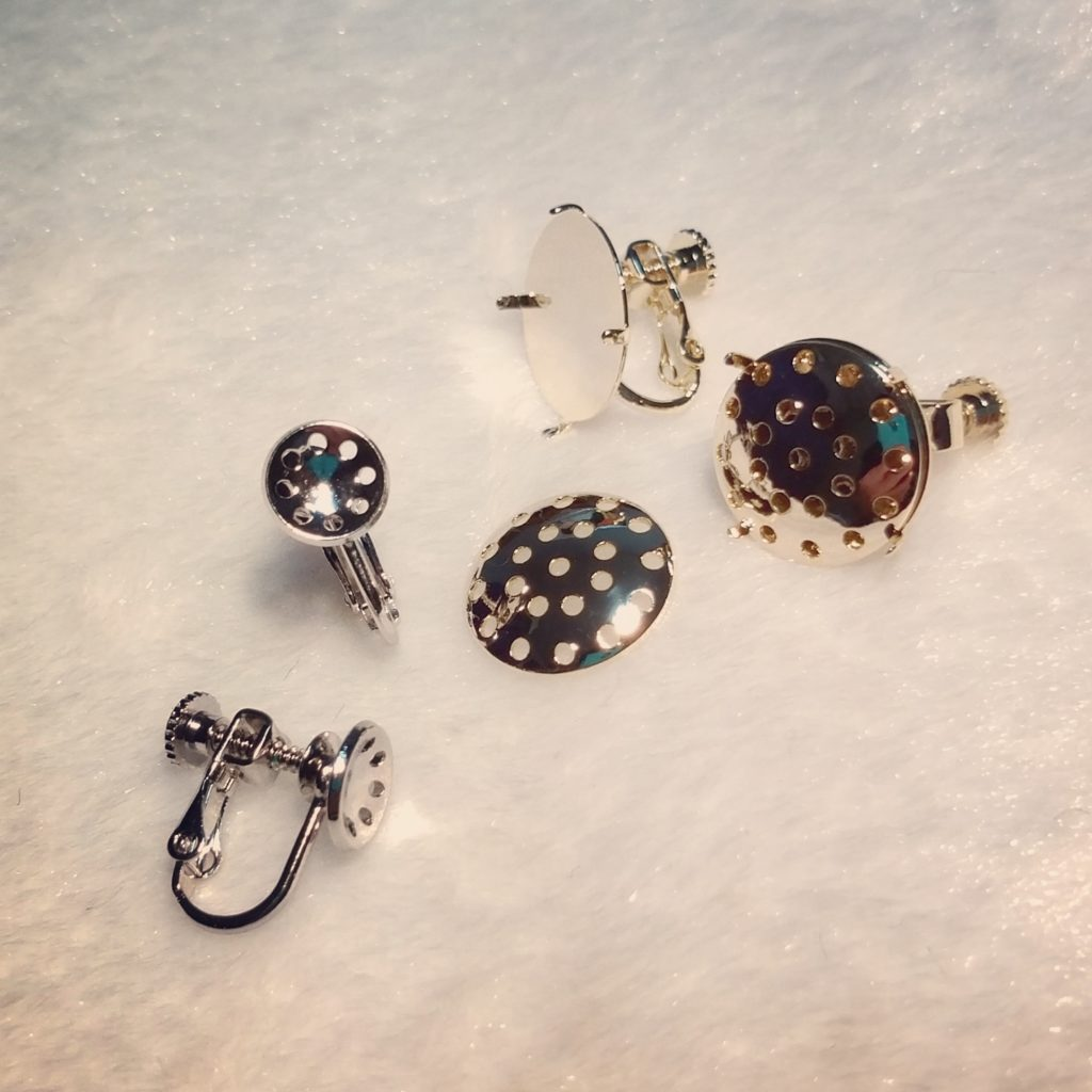 ハンドメイドのイヤリング金具